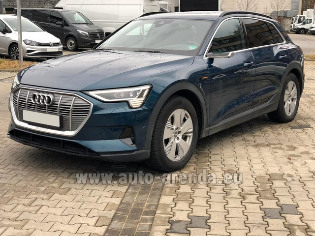 Hire and delivery to Genève Aéroport (GVA) the car Audi e-tron 55 quattro (electric car)