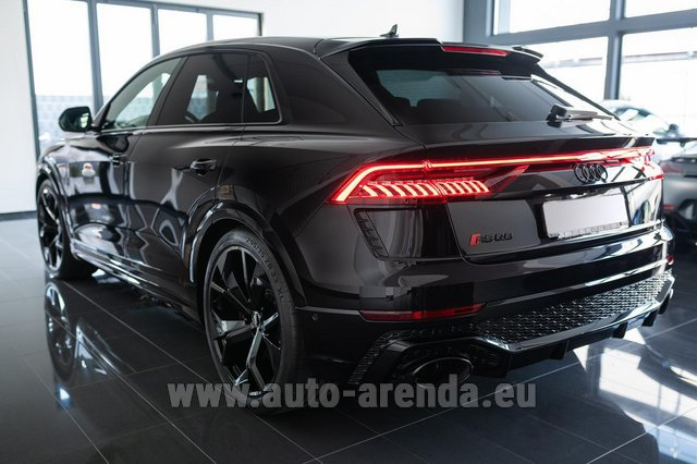 Hire and delivery to Aéroport Lyon-Saint Exupéry (LYS) the car Audi RS Q8