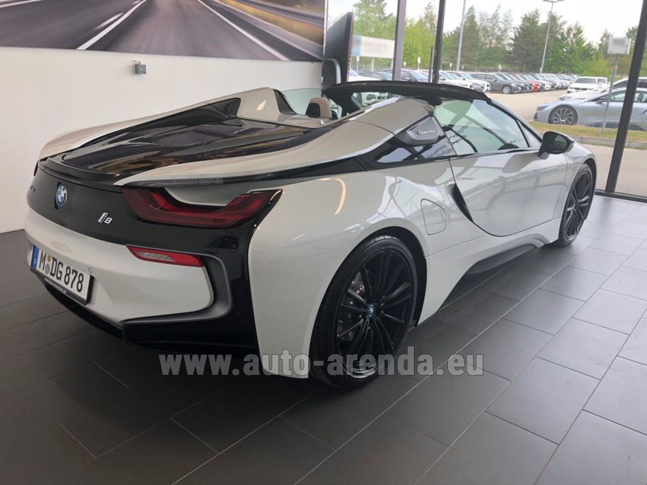 rent bmw i8 roadster cabrio first edition 1 of 200 edrive. Black Bedroom Furniture Sets. Home Design Ideas
