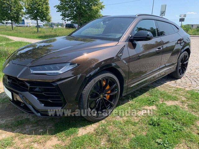 Rental Lamborghini Urus in Courchevel