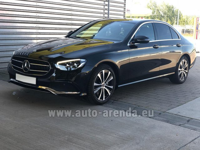 Hire and delivery to Aéroport Lyon-Saint Exupéry (LYS) the car Mercedes-Benz E220 diesel AMG equipment