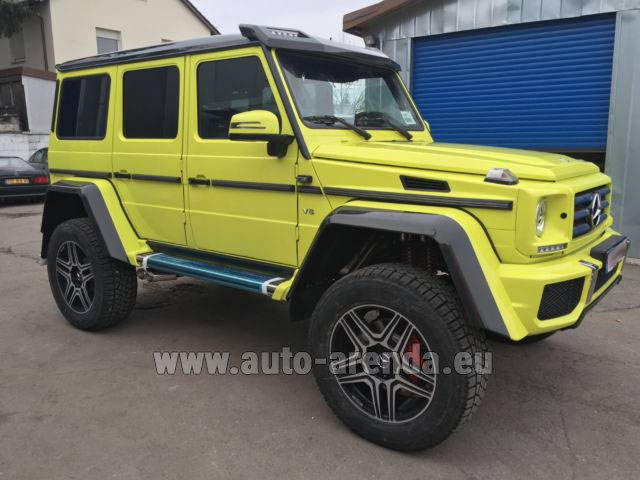 Rental Mercedes-Benz G 500 4x4 Yellow in Courchevel