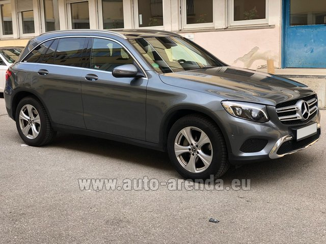 Hire and delivery to Genève Aéroport (GVA) the car Mercedes-Benz GLC 220d 4MATIC AMG equipment