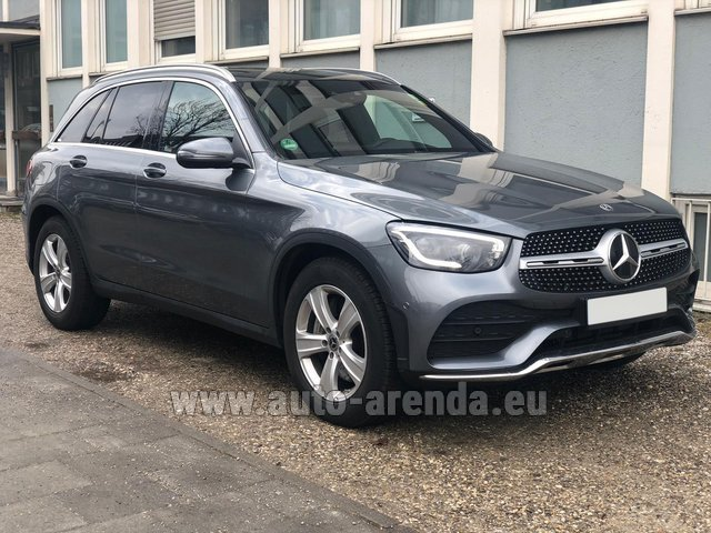 Hire and delivery to Aéroport Lyon-Saint Exupéry (LYS) the car Mercedes-Benz GLC 220d 4MATIC AMG equipment
