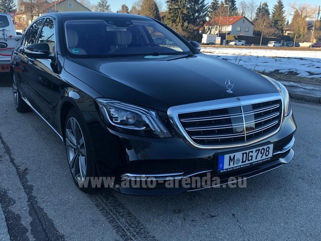 Rental Mercedes-Benz S-Class S400 Long Diesel 4Matic AMG equipment in Courchevel