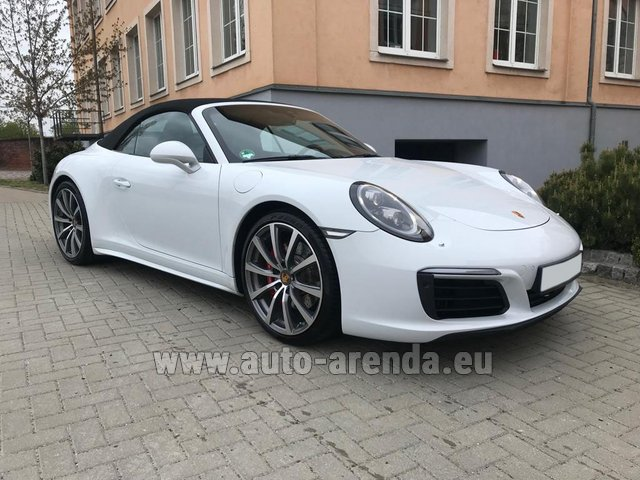 Hire and delivery to Aéroport Chambéry Savoie Mont Blanc (CMF) the car Porsche 911 Carrera 4S Cabrio
